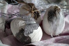Ostereier - Schöne Shabby-Vintage Eier mit Federn, Ostereier - ein Designerstück von O_l_a bei DaWanda