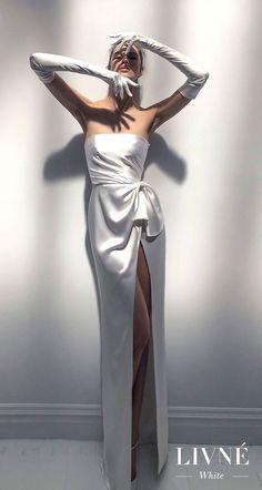 Alon Livne 2018 2019 white bridal strapless straight across neckline simple minimalist high slit skirt elegant sheath wedding dress (jackie).  Perfect for the Modern Bride. WoW what a glamorous silk gown.  Hollywood!  D.Martin