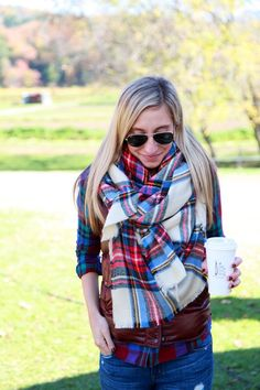 Want to know how to tie this plaid scarf?
