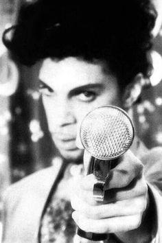 Post your favorite (black & white) Prince Photos. Looks Black, Black And White, Music Genius, Prince Purple Rain, Paisley Park, Roger Nelson, Prince Rogers Nelson, Purple Reign, Raining Men