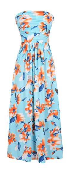 This maxi sets the record for beaut! You really can't get any more gorgeous than that fit! It's tied waist shows off your amazing figure and that tube top style is so trendy and feminine! Mode Outfits, Dress Outfits, Fashion Outfits, Fashion 2018, Maxi Dresses, Womens Fashion, Pretty Dresses, Beautiful Dresses, Vogue