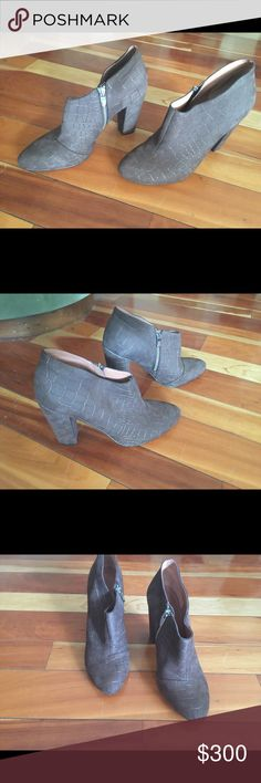 d2b2250ed848 Women s Sigerson Morrison Suede Taupe Bootie 10B Women s Sigerson Morrison  Taupe Suede Bootie Croc Imprinted Approx