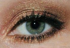 Makeup Tips for Green Eyes Bronze Eyeshadow