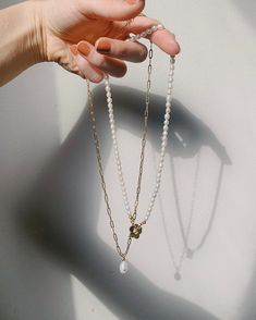 Sofia Pearl Necklace in Gold Arrow Necklace, Pearl Necklace, Nail Accessories, Pretty Lights, Romper Pants, Beauty Make Up, Wedding Day, Fashion Jewelry, Nail Polish
