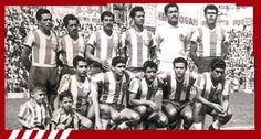 "Segundo Campeonato: 1958-1959 [Chivas 4- Atlante 0] Guadalajara: ""Tubo"" Gómez, ""Chicho"" López, ""Chato"" Nuño, ""Jamaicón"" Villegas, ""Bigotón"" Jasso, ""Chivo"" Cázares, ""Chololo"" Díaz, Chava Reyes, Héctor Hernández, Sabás Ponce y ""Pina"" Arellano."