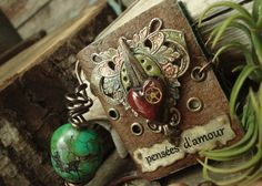Thoughts of Love  Wearable Book Necklace por AlteredAlchemy en Etsy