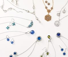 Reveal some shimmering jewelry. Jewelry girt sets now 2 for $20