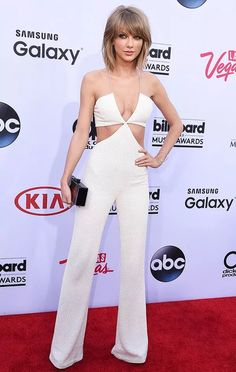 taylor-swift-singer-billboard-music-awards-red-carpet-steal-the-look