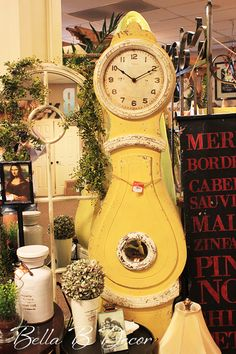 Ooo la la! Love this vintage yellow clock! ~Bella B Decor