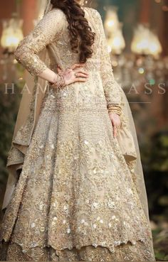 Pakistani Fancy Dresses, Party Wear Indian Dresses, Pakistani Wedding Outfits, Pakistani Suits, New Bridal Dresses, Bridal Outfits, Bride Dresses, Long Dresses, Stylish Dresses