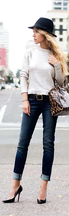 simple sweater + rolled up jeans + heels