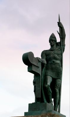 Ingolfur Arnarson was the first Nordic settler of #Iceland. A viking with a little bit of swag!