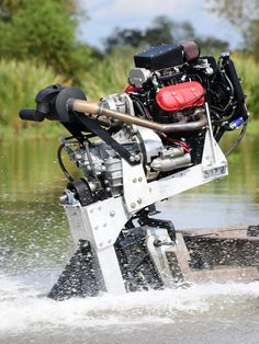 Rogue Propulsion surface drive boat with a Motus Fast Boats, Speed Boats, Power Boats, Mud Boats, Cool Boats, Small Jet Boats, Electric Boat Motor, Mud Motor, Boat Blinds