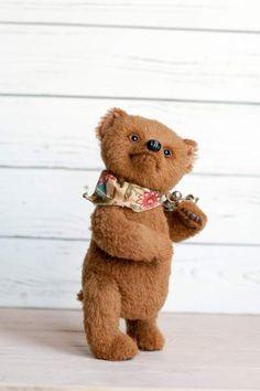 Bear Edward By Arkhipova Irina - Bear Pile