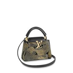 LOUIS VUITTON Official USA Website - Shop Louis Vuitton's designer clutches and elegant purses for daytime or evening, expertly crafted with outstanding craftsmanship & high quality materials. Louis Vuitton Designer, Louis Vuitton Store, Designer Handbags, Versace Bag, Best Handbags, Lady Dior, Luxury Bags, Leather Clutch, Evening Bags