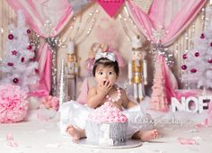 Winter ONEderland cake smash ideas. The nutcracker ballet party. First birthday ideas, Pink and silver, christmas, winter, ballet, photo session ideas, cake smash, cakesmash, birthday girl. Chasing Kay Photography, snowflakes, cake, winter cake, winter ONEderland party