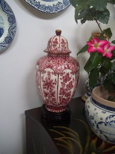Rare Large Ginger Jar Delfts Rood Delft Red and Gold Temple Vase Lidded Urn Deksel Vaas by Regina Gouda, Netherlands *Free S&H (Guam/U.S.A)