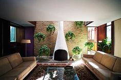 Why fireplaces in mcm houses were so awesome? Kirkpatrick House, Kalamazoo, Michigan, 1955. Architect: George Nelson. You can see more houses like this clicking on the image.