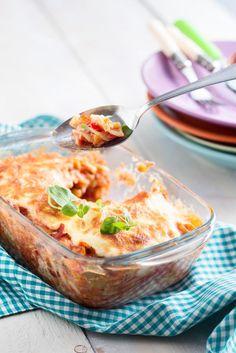 Täysjyväpastasta valmistettu välimeren pastavuoka saa makunsa grillatuista vihanneksista, tonnikalasta ja herkullisista kastikkeista.   K-Ruoka