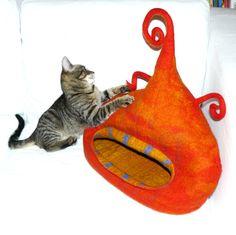 Major Laura * Cat bed / Cat cave / felted cat house / orange felt cat handmade