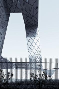 CCTV - Bejing - Rem Koolhaas / OMA by Scott Norsworthy on Flickr.
