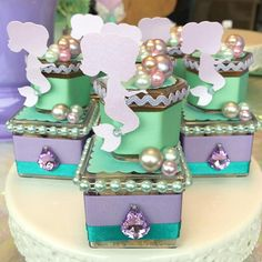We selected more than 50 photos to be inspired for party decoration in the theme Mermaid or Little Mermaid. Little Mermaid Birthday, Little Mermaid Parties, The Little Mermaid, Mermaid Baby Showers, Baby Mermaid, First Birthday Photos, Third Birthday, Mermaid Invitations, Barbie
