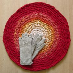 19 inch, round crochet rug, sunset colours, handmade, upcycled, eco, carpet, cotton, recycled #handmade #handmade