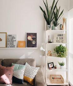 62 Best Living Room Decor Ideas - Living Room Design - Page 7 of 62 - TipSilo Living Room Decor Cozy, Cozy Living, Room Decor Bedroom, Home Interior, Interior Design Living Room, Living Room Designs, Sweet Home, Home And Deco, Home Decor Inspiration