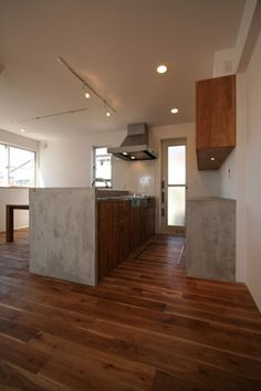 ぬくもりのある家 大間木の家 一覧 - 新築物語 Kitchen Dining, Dining Room, House Rooms, Store Design, Hardwood Floors, Architecture Design, House Design, Building, Interior
