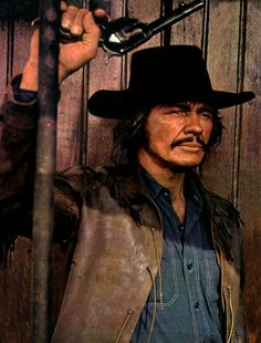 RED SUN - Charles Bronson as bandit 'Link Stuart' who is forced to team-up with a samauri to retrieve a prized sword - National General Pictures - Publicity Still. Hollywood Stars, Classic Hollywood, Old Movies, Great Movies, Vintage Movies, Actor Charles Bronson, Films Western, Tv Westerns, Famous Men