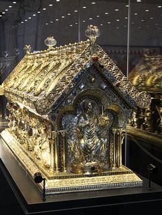 Reliquary of St. Maurus from the 2010 exhibition in Prague Castle