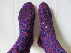 Ravelry: kentuckyteresa's Waving Lace Socks