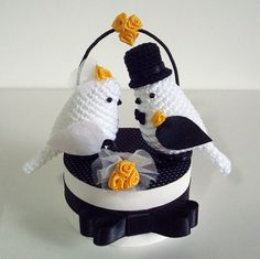 Wedding bird couple in white, black and yellow by Maria. (Inspiration).