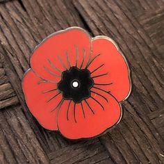 Rare World War I Centenary Veteran Red Poppy UK Flag Map Brooch Enamel Pin Badge