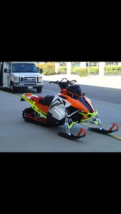 Not an Artcic Cat fan that much, but wow! Thats a sexy sled lol