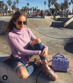 Valentina Ferragni Love the color combo.. Hues of pink and purple in contrast to denim ❤