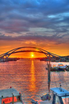 Marina Bay Sands, Singapore Oh, I've been there! Amazing Sunsets, Beautiful Sunset, Beautiful World, Beautiful Places, Wonderful Places, Singapore Travel, Sands Singapore, Wanderlust Singapore, Places Around The World