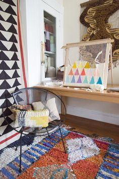 Beautiful weaving project by artist Maryanne Moodie - article about here and her studio