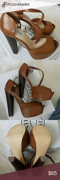 """NIB STEVE MADDEN DESIREE PLATFORM SANDALS Cognac colored platform heels from Steve Madden. Never worn, only tried on. Wear with flared or skinny jeans for added height. Very comfortable for such high heels. Measures 6"""" from the back of heel to bottom of heel with 1 1/2 inch platform.  ✔Same or next day shipping  ✔Offers are welcome  🚫No lowball offers please  🚫No trades Steve Madden Shoes Platforms"""