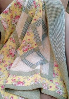Plaid Scarf, Sewing Projects, Quilts, Blanket, Etsy, Scrappy Quilts, Quilt Sets, Quilt, Rug