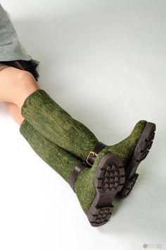 Сапожки с укрепленной стопой и с сжатым голенищем Felt Boots, Fancy Shoes, Felted Slippers, Felting, Wool Felt, Leather, Clothes, Accessories, Fashion