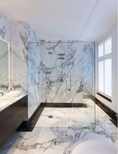 Bathroom design by Studio Jan des Bouvrie. #marble #marmer #studiojandesbouvrie #interieurdesign pci by #bodesbouvrie