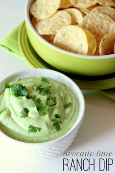 Our new favorite dip - Avocado Lime Ranch Dip. It& delicious! I'm using greek yogurt instead of sour cream though and mayo! Avocado Recipes, Dip Recipes, Appetizer Recipes, Mexican Food Recipes, Cooking Recipes, Think Food, I Love Food, Good Food, Yummy Food