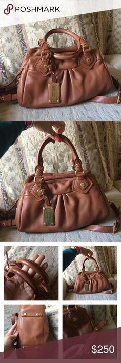 Marc Jacobs handbag Marc Jacobs Classic baby Q Groovee, In EXCELLENT condition... CLEAN Inside and out. Beautiful soft leather with matte gold hardware.  Has an adjustable/removable strap. Well taken care of😍It still smells NEW!! Marc by Marc Jacobs Bags Satchels