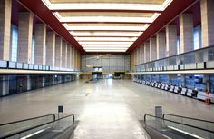 BERLIN, die alte Abfertigungshalle des Flughafen Tempelhof