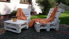 Pallet Outdoor Loungers with Table