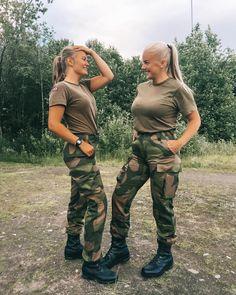 Now my little warrior🙅🏼♀️ - Army Girls - Military Real Women, Amazing Women, Beautiful Women, Female Army Soldier, Female Marines, Military Girl, Military Women, Military Personnel, Girls Uniforms