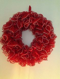 Crochet Sashay Ruffle Foam Wreath Christmas 2013