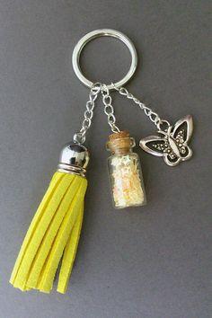 """Porte clés """"La Belle au papillon"""" : Porte clés par maddy-crea"""
