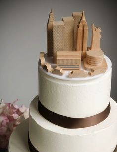 DIY Manhattan Skyline Cake Topper | 27 Ideas For Adorable And Unexpected Wedding Cakes